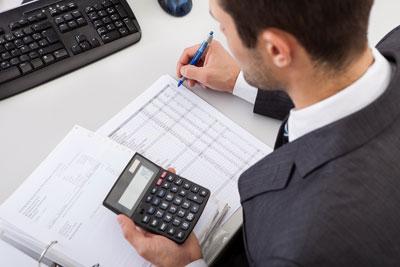 steuerberater schreibtisch